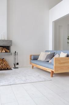 Luxus modische moderne design-wohnung mit einem freien layout in einem minimalen stil.