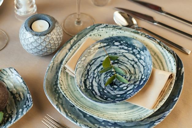 Luxus tischdekoration für veranstaltung in einem restaurant