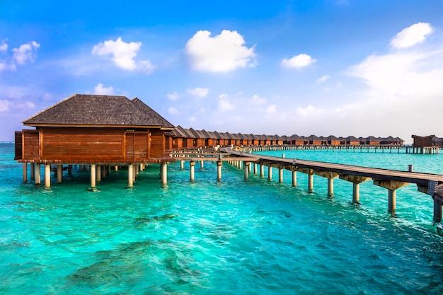 Luxusurlaub auf den malediven - wasserbungalowvillen