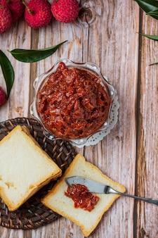 Lychee fruit jam köstliches dessert zum frühstück, thailändisches essen.