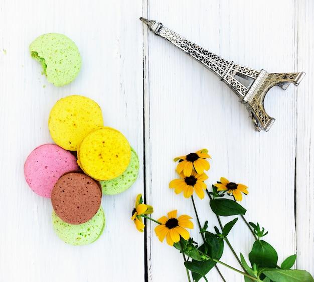 Macarons aus eiweiß und mandelmehl