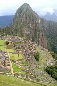 Machu picchu, die berühmte inka-zitadelle in der region cusco, provinz urubamba, peru.