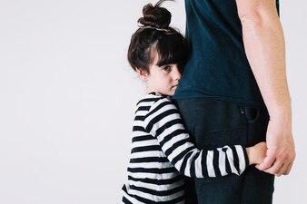 Mädchen und Ernte Elternteil