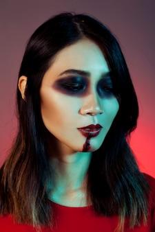 Mädchen als vampir verkleidet suchen traurig