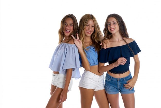Mädchen des teenagers beste freunde glücklich zusammen