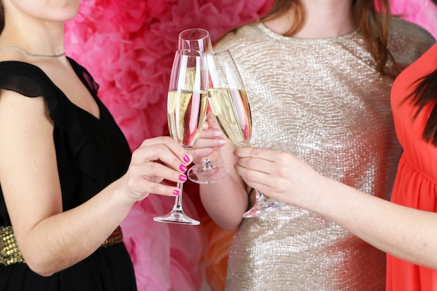 Mädchen feiern party