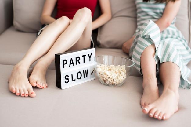 Mädchen haben eine kleine party