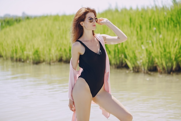 Mädchen in einem strand