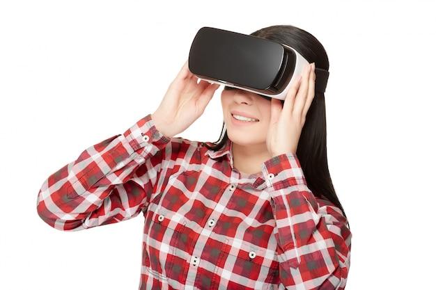 Mädchen in headset von vr video ansehen.