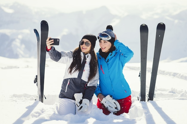 Mädchen mit ski