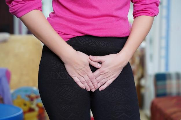 Mädchenschmerzen in der leiste