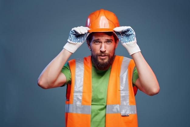 Männlicher baumeister harter beruf bau professionelle emotionen