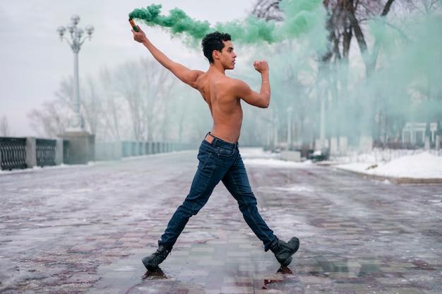 Männliches tanzenballett der vorderansicht