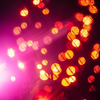 Magenta blinkt in der Nähe von Lichtern