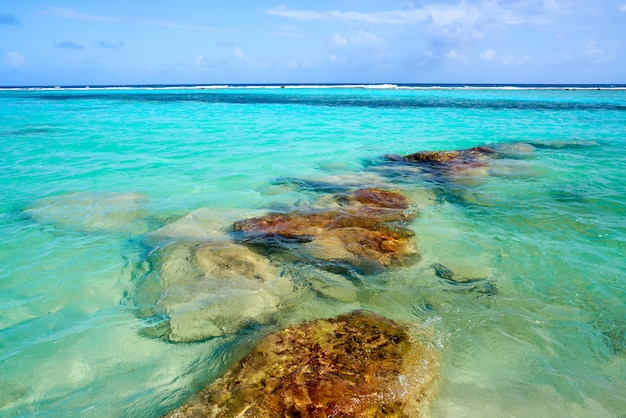 Mahahual karibischer strand in costa maya