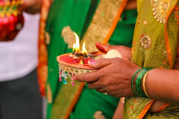 Maharashtra-hochzeitszeremonie im hinduismus
