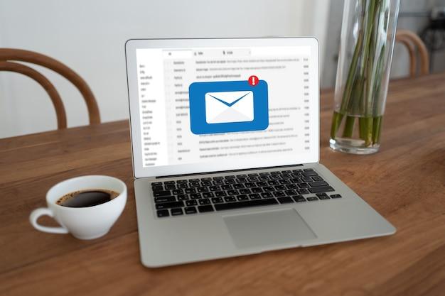 Mail auf dem laptop