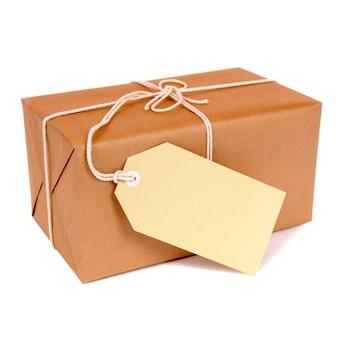 Mail-paket mit dem etikett