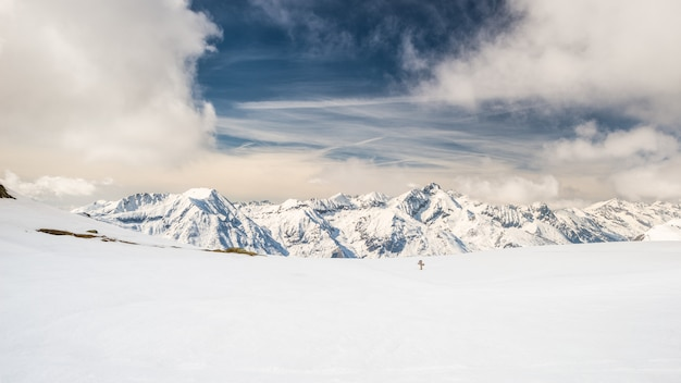 Majestätische berggipfel in den alpen