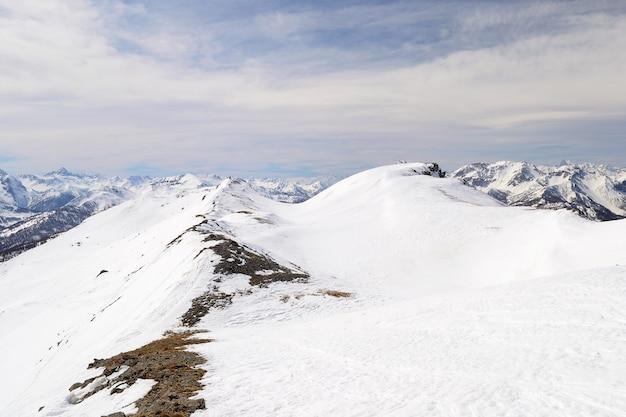 Majestätischer alpenbogen