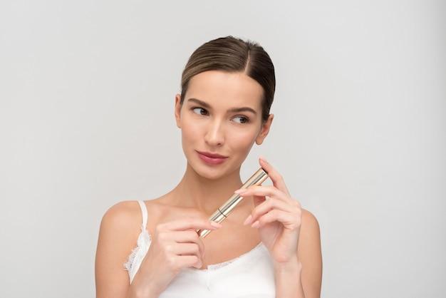 Make-up-anwendung für natürliches aussehen