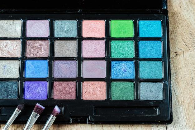 Make-up-kit professionelle mehrfarbige lidschatten-palette augenlider