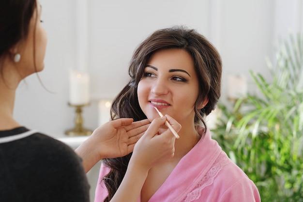 Make-up-prozess am hochzeitstag