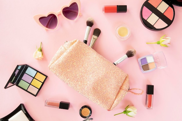 Make-up schönheitsprodukte und tasche