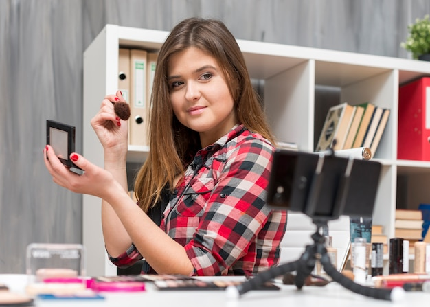 Make up vlogger