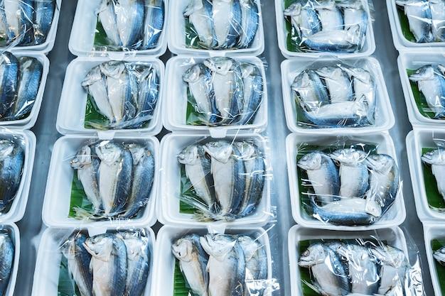 Makrele auf dem markt.