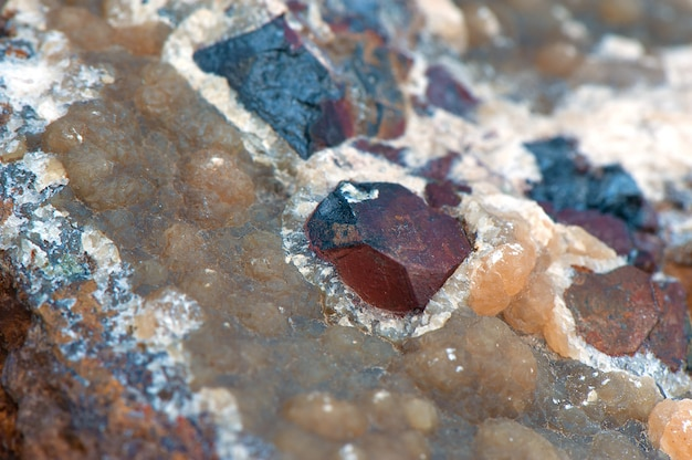 Makrotrieb des rohen minerals.