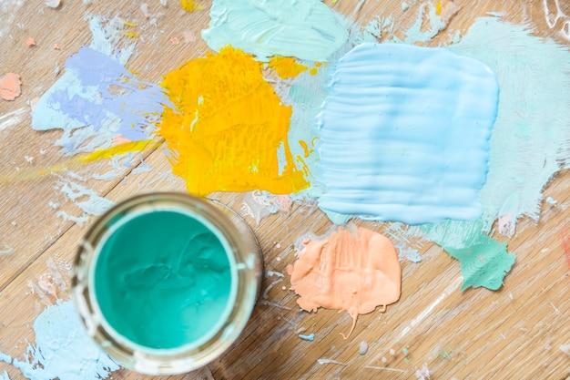 Malen sie farbe haus renovierung konzept
