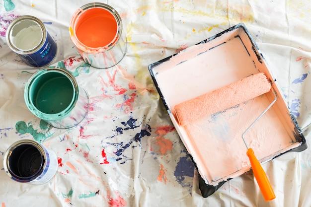 Malen sie farbhauserneuerungskonzept