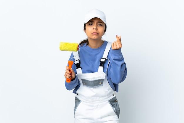 Malerfrau isoliert, die italienische geste macht