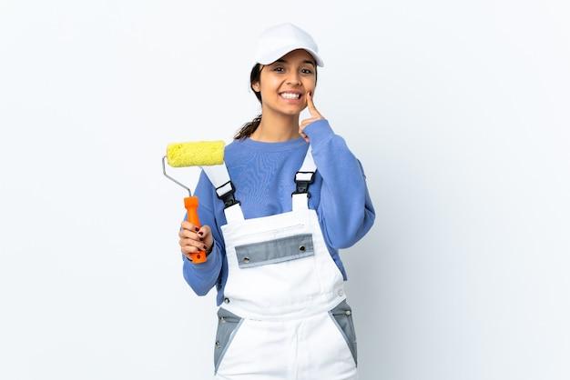 Malerfrau isoliert lächelnd mit einem glücklichen und angenehmen ausdruck