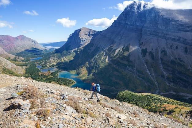 Malerische felsige gipfel des glacier national park, montana, usa