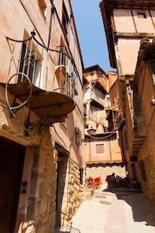Malerische häuser der alten spanischen stadt