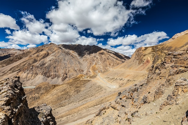 Manalileh road nach ladakh im indischen himalaya