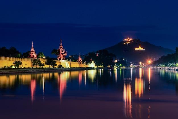 Mandalay-hügel nachts in mandalay