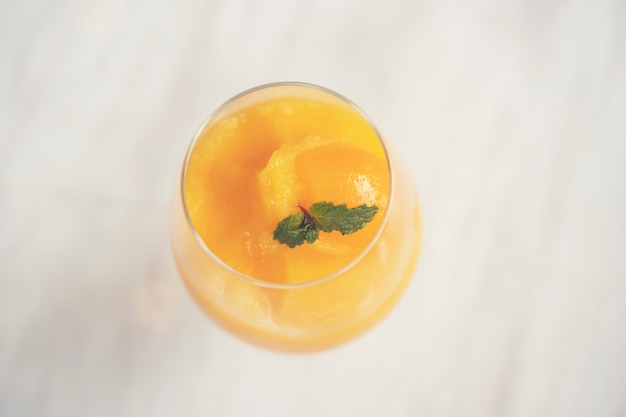Mangosaft gemischt für die gesundheit