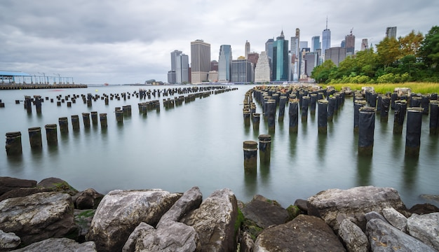 Manhattan-finanzbezirk an einem schönen sommermorgen