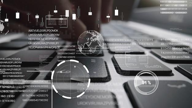 Mann, der an laptop-computertastatur mit grafischem benutzeroberflächen-gui-hologramm arbeitet
