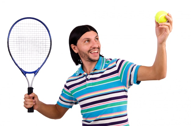 Mann, der das tennis getrennt auf weiß spielt