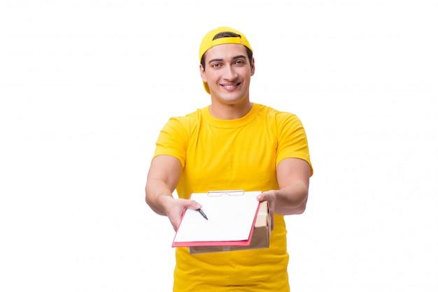 Mann, der das weihnachtsgeschenk getrennt auf weiß liefert