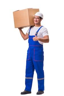 Mann, der den kasten getrennt auf weiß liefert