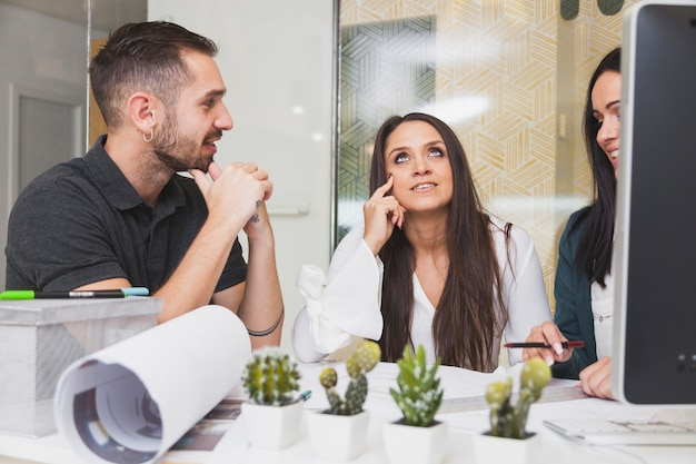 Wie flirten männer im büro
