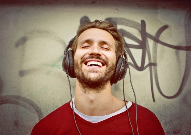 Mann, der musik hört