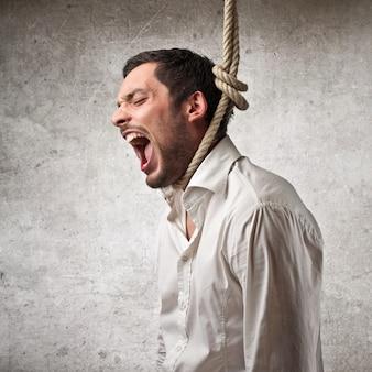 Mann, der selbstmord begeht