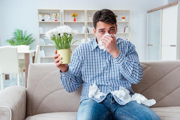 Mann, der unter allergie - medizinisches konzept leidet
