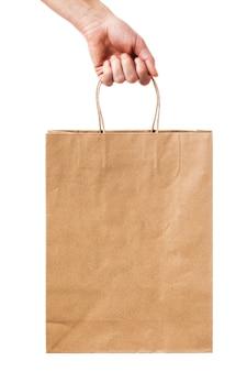 Mann hält in der hand ein paket papier isoliert auf weißem hintergrund